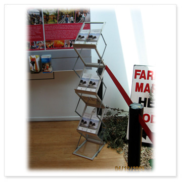 portable-brochure-stand